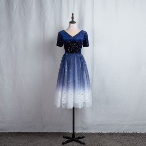 Fashion Navy Blue Homecoming Graduation Dresses 2020 A-Line / Princess V-Neck Star Sequins Short Sleeve Backless Knee-Length Formal Dresses