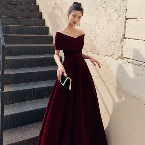 Chic / Beautiful Burgundy Suede Evening Dresses  2021 A-Line / Princess Off-The-Shoulder Short Sleeve Backless Ankle Length Evening Party Formal Dresses