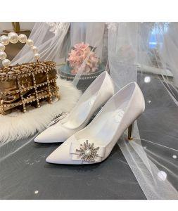 Edles Ivory / Creme Brautschuhe 2020 Satin Perle Strass Schleife 9 cm Stilettos Spitzschuh Hochzeit Pumps