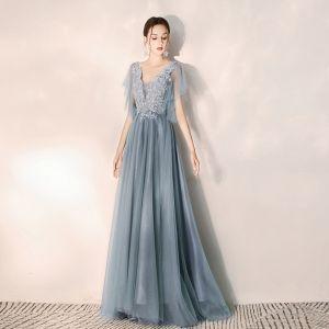 Elegante Himmelblau Abendkleider 2019 A Linie V-Ausschnitt Perlenstickerei Spitze Blumen Kurze Ärmel Rückenfreies Lange Festliche Kleider