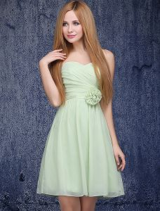 A-line Sweetheart Ruffle Handmade Flower Green Bridesmaid Dress