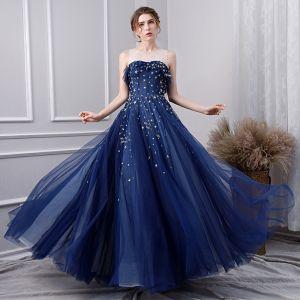 Stylowe / Modne Granatowe Sukienki Na Bal 2019 Princessa Wycięciem Z Koronki Gwiazda Bez Rękawów Bez Pleców Długie Sukienki Wizytowe