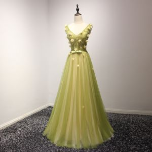 Elegant Lime Green Evening Dresses  2017 A-Line / Princess Floor-Length / Long Cascading Ruffles V-Neck Shoulders Sleeveless Backless Beading Crystal Sequins Appliques Flower Bow Sash Formal Dresses
