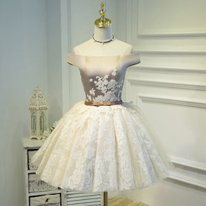 Piękne Szampan Sukienki Na Studniówke 2018 Princessa Tiulowe Aplikacje Bez Pleców Haftowane Homecoming Sukienki Wizytowe