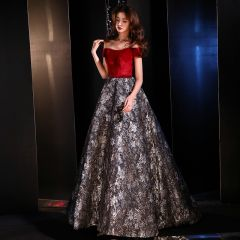 Modern / Fashion Red Evening Dresses  2019 A-Line / Princess Off-The-Shoulder Short Sleeve Embroidered Flower Sweep Train Ruffle Backless Formal Dresses