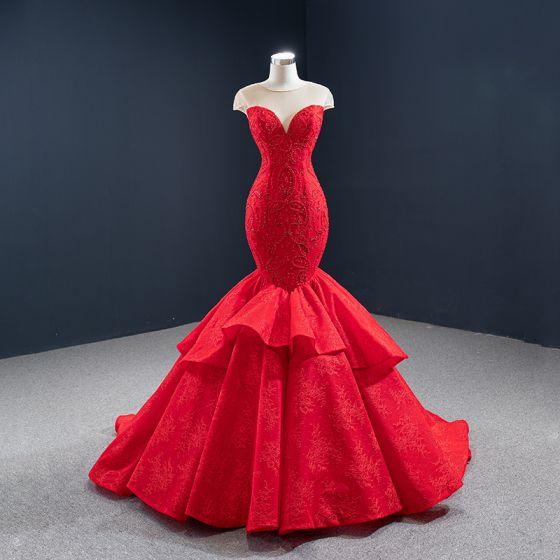 Luxus / Herrlich Rot Roter Teppich Abendkleider 2020 Meerjungfrau Durchsichtige Rundhalsausschnitt Ärmellos Perlenstickerei Sweep / Pinsel Zug Rüschen Rückenfreies Festliche Kleider