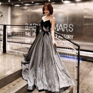Bling Bling Grau Durchsichtige Abendkleider 2019 A Linie Rundhalsausschnitt 3/4 Ärmel Rückenfreies Glanz Polyester Lange Rüschen Festliche Kleider